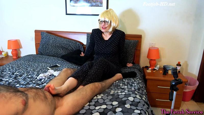 Cloe footjob – Dafnefetish The fetish service