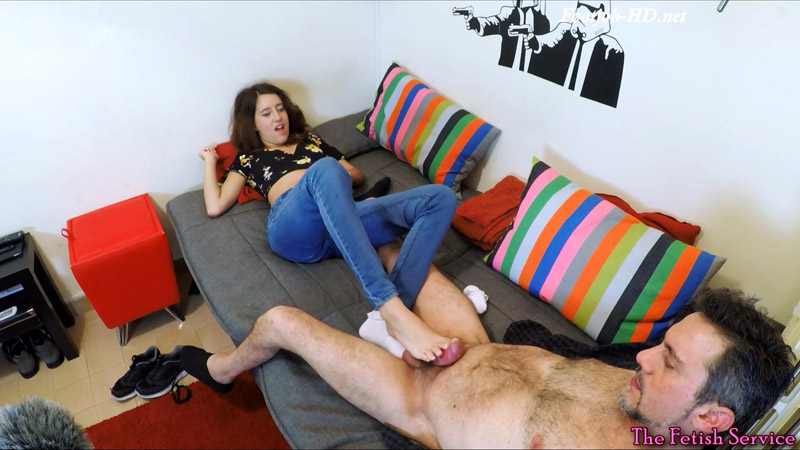 Couchsurfing con Susy – Couchsurfing with Susy – Dafnefetish The fetish service