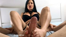 Jasmine's Cummy Toes – Foot Guy James Footjobs