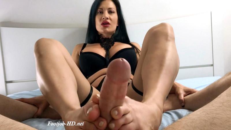Jasmine's Cummy Toes – Foot Guy James Footjobs