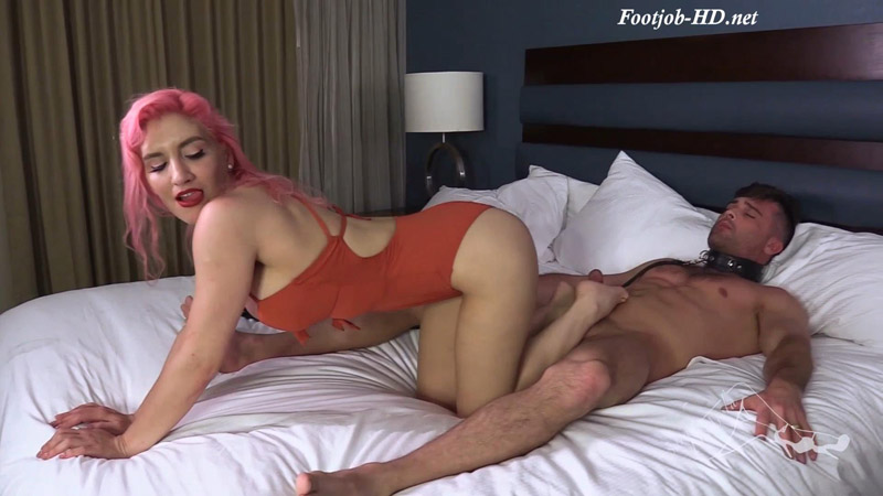 Perverting My Man with a Footjob – Sarah DiAvola – The Brat Princess