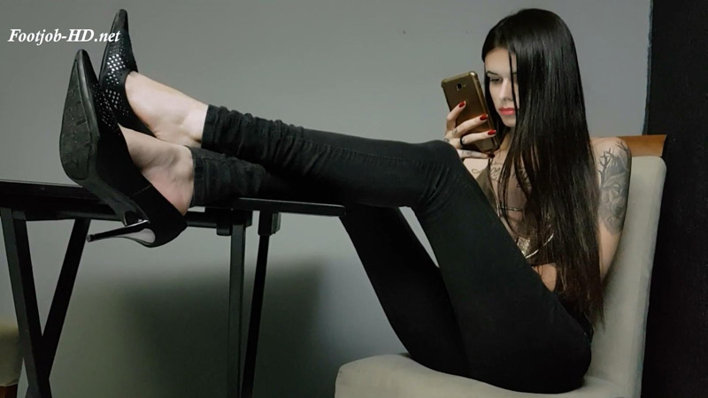Shoejob After Work - Emily Foxx