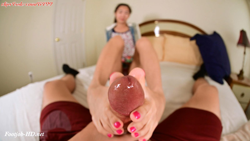 College Girl Toes return for an extreme toe job! Plus cum play! - Amateur soles giantess and footjobs