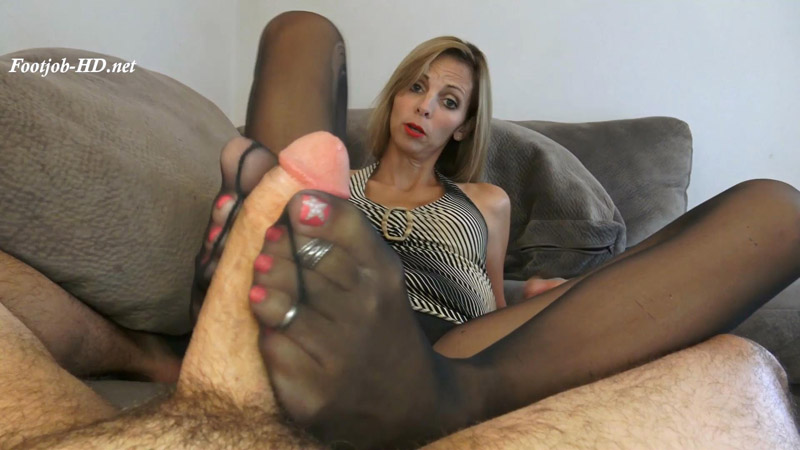 No Bonus This Year, I'll Make It Up To You With My Feet – Kinky Foot Girl