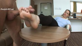 Zuzi (23 Years old – 37EU feet size) Casting Footjob – Part I – Angelo's FeetGirls