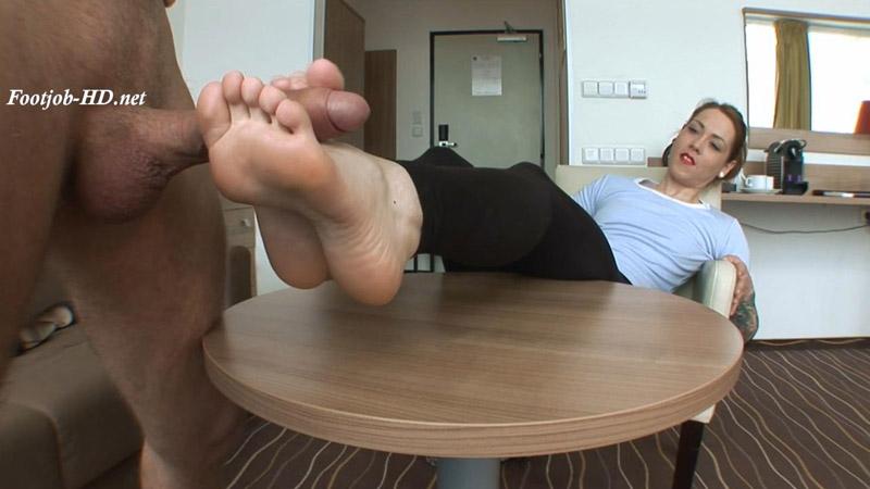Zuzi (23 Years old – 37EU feet size) Casting Footjob – Part I – Angelo's FeetGirls