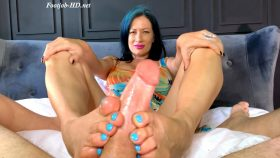 Get Me Out Of This Cage! – Foot Guy James Footjobs – Miss Jasmine