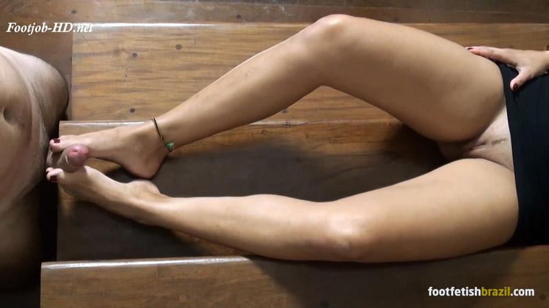 Priscyla's big dick footjob with dirty soles! – Cute Girls Footjobs!