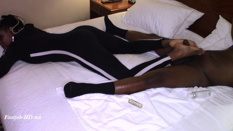 Black Hour Glass Reverse Footjob – Solemates and Footjobs