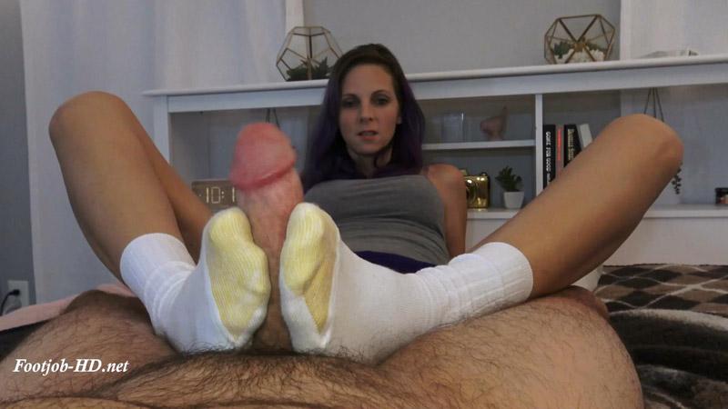 Cumming Girls Feet Public