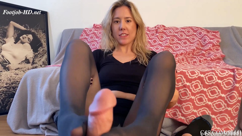 Caught Staring At Stepmom Paisly Footjob - Bratty Babes Own You - Paisley Bennett