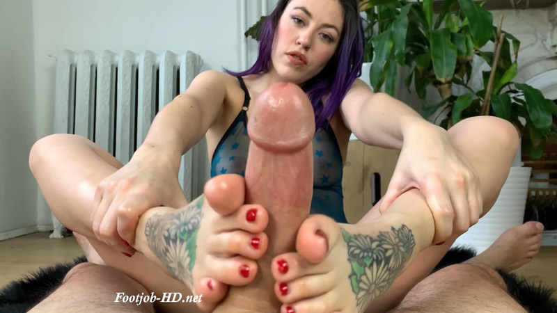 Between The Arches of Fae Daniels - Foot Guy James Footjobs