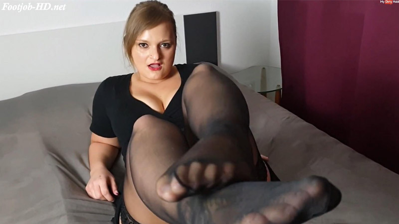 NylonFootjob!!! Willst Du meine Füße ficken! – Lina Mila