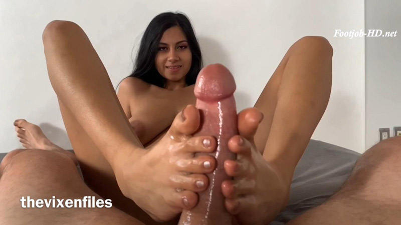 Vanessa And Me Made Another Epic Footjob Sextape - Foot Guy James Footjobs