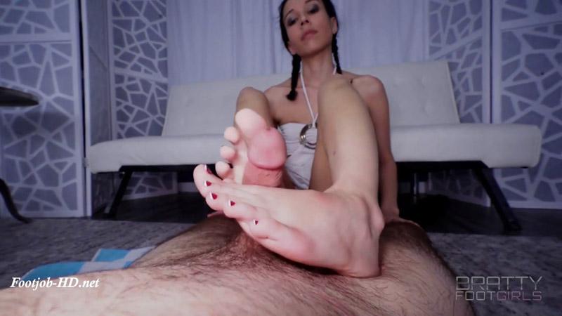 Garnet – Brutally Crushing the Cum Out Footjob! – Bratty Foot Girls – Garnet Rose