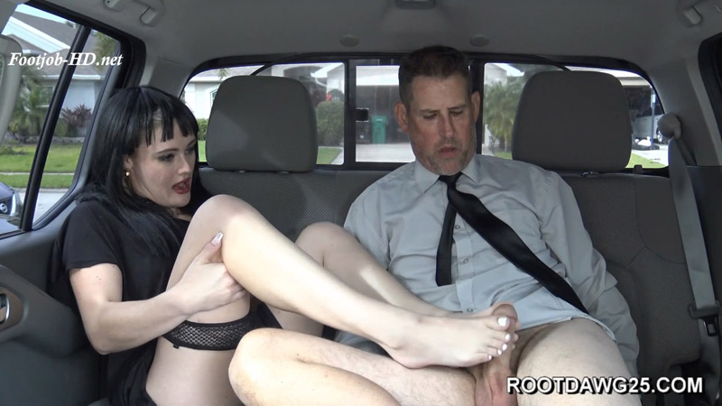 Stinky Feet Footjob with Sage Riot – Foot Fetish by Rootdawg25