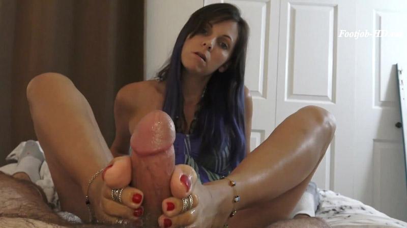 Friends Mesmerized Footjob – Kinky Foot Girl