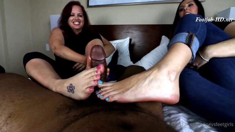 Ashleysoles meets Josie! – Joey's FeetGirls