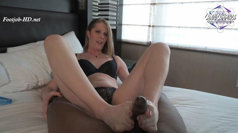 Foot Job GFE – Cassie Cummings